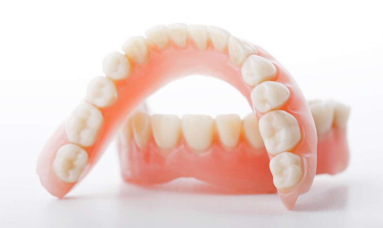 Протез Зубной фото